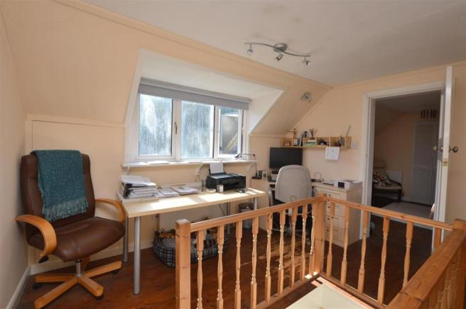 Attic Room/Home Office