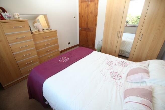 29 Bed 2.jpg