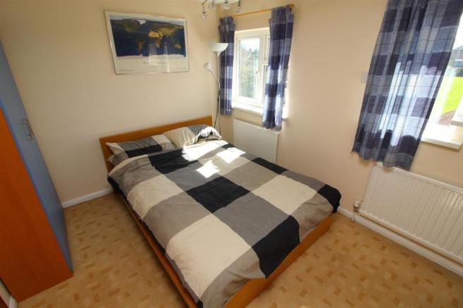 34 Bed 4.JPG