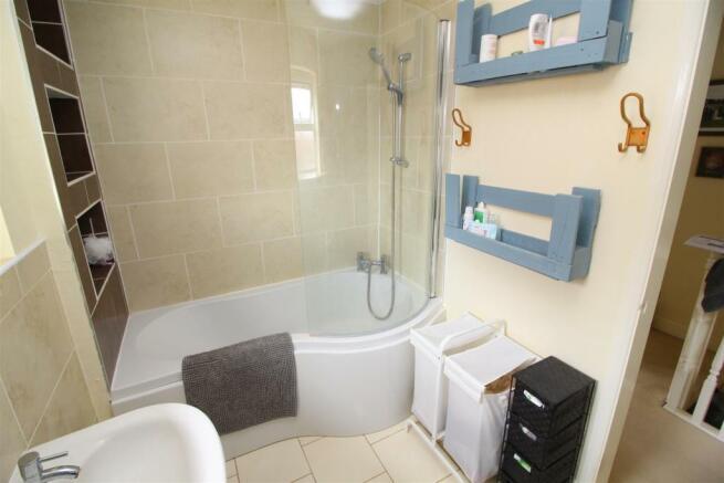 22 bath.JPG