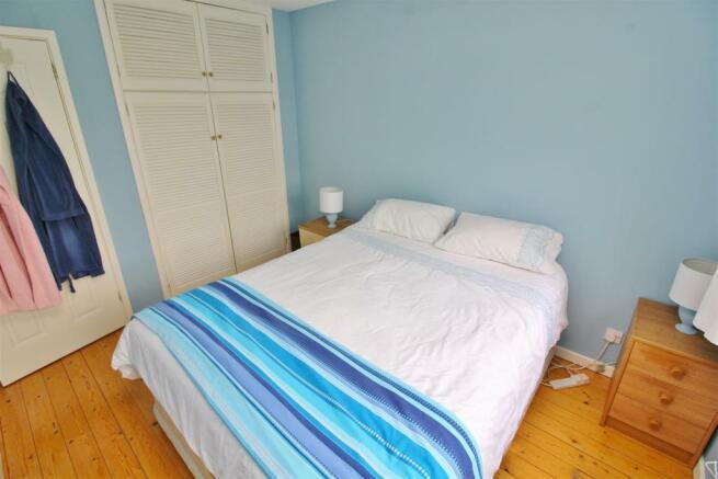 22 Bed 1.JPG