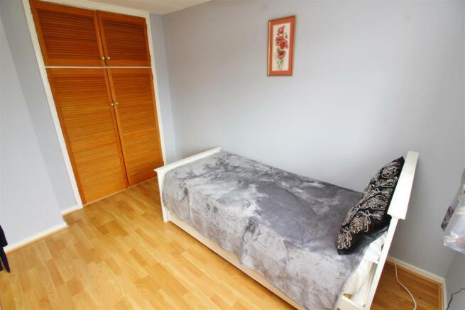28 Bed 3.JPG
