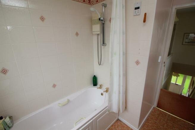14 Bath.JPG