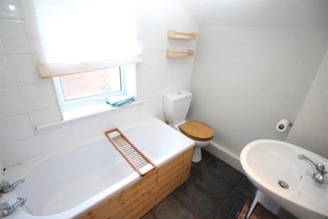Cameron Street, 15 - Bathroom 2.JPG