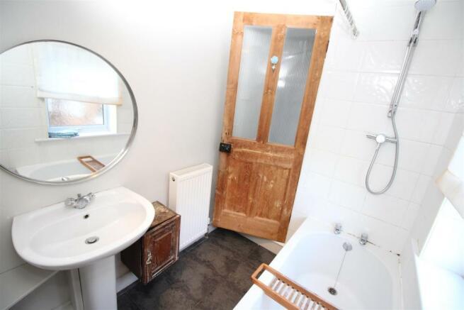 Cameron Street, 15 - Bathroom.JPG