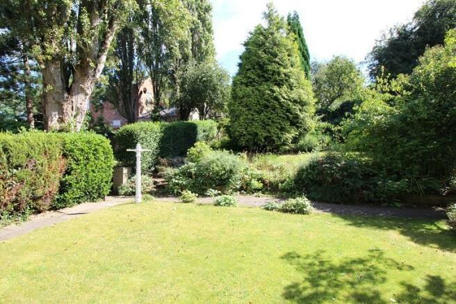 Langtry Grove, 55 - Garden 1.jpg