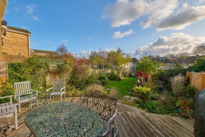 Garden & decking Area