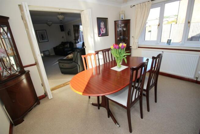 dining room (1).JPG