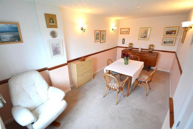 Dining Room/Bedroom 5