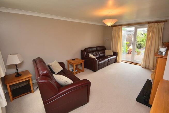Lounge/Sitting Room