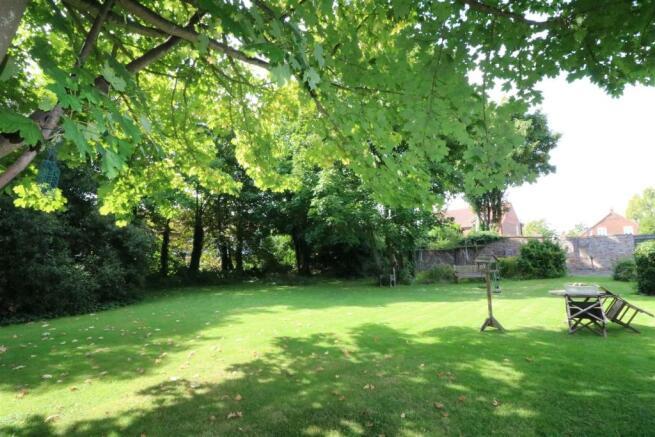 St Oswalds - Communal Gardens