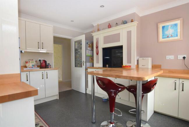 kitchen / breakfa...