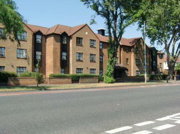 Cromwell Lodge