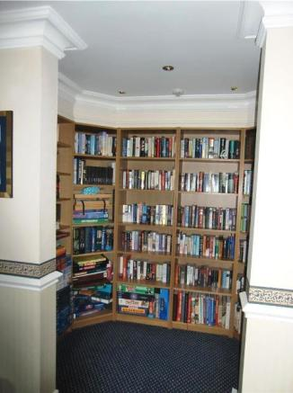 Residents Lounge Library