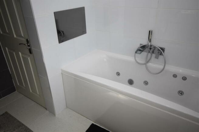 Bathroom integrated TV