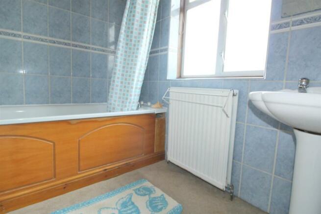 Bath room .jpg