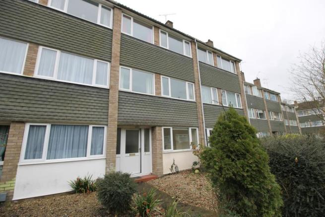 7fbc7a3e2 4 bedroom terraced house to rent in Mersea Road