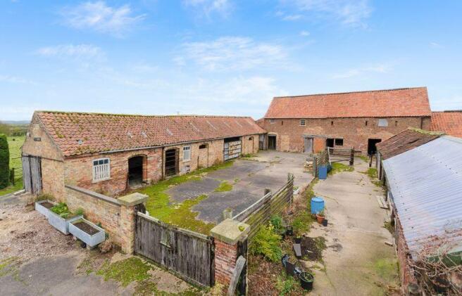 Full view barn...
