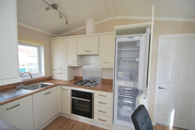 38 Cheshire Park Homes - Kitchen 2.JPG
