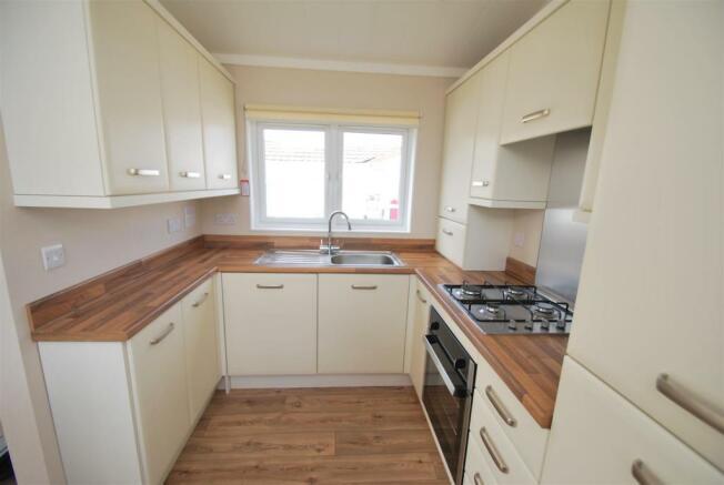 38 Cheshire Park Homes - Kitchen.JPG