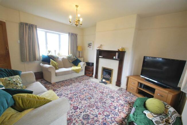 152 Chester Road - Living Room.JPG