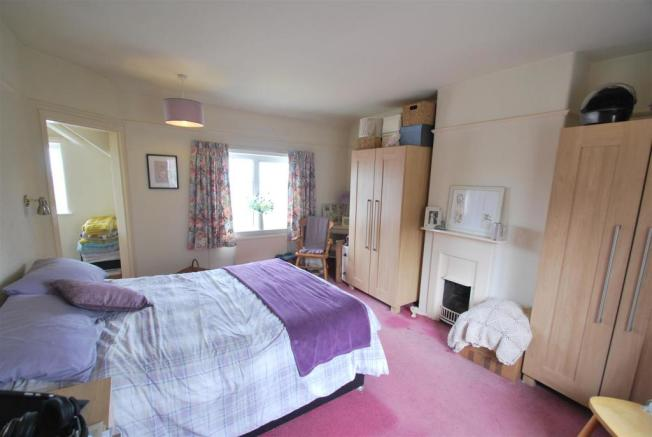 152 Chester Road - Bed 1.JPG
