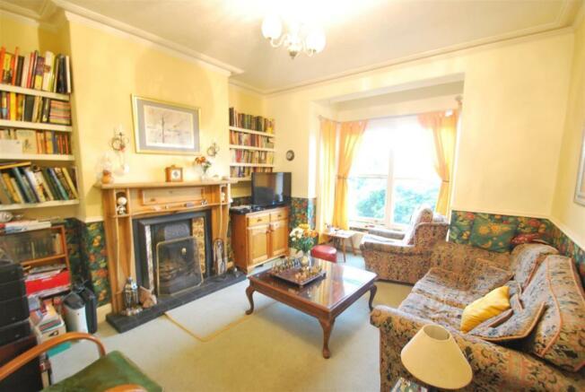 3 Kingsway - Living Room.JPG