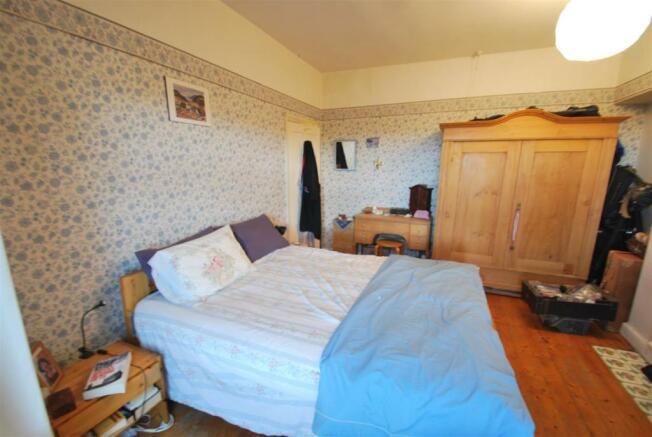 3 Kingsway - Bed 1..JPG