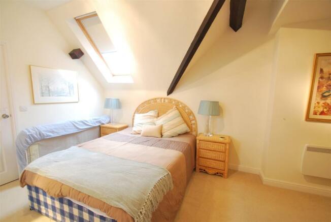 85  kings bedroom 2.JPG