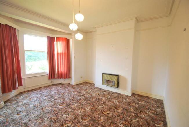 10 Red Lane - Living Room.JPG