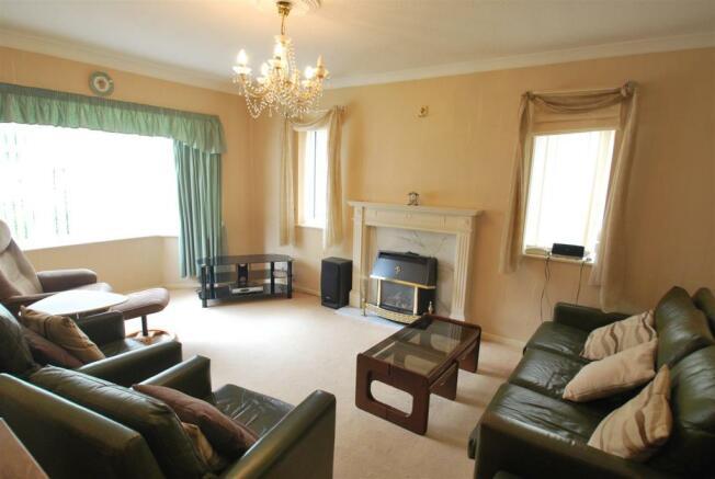 sandringham lounge.JPG