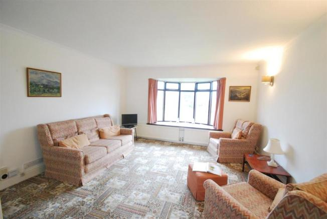4 Beech lounge1.JPG