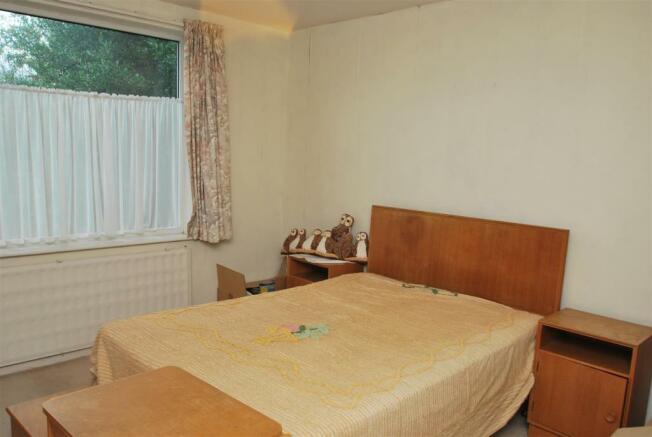 18 Highbank bed1.JPG