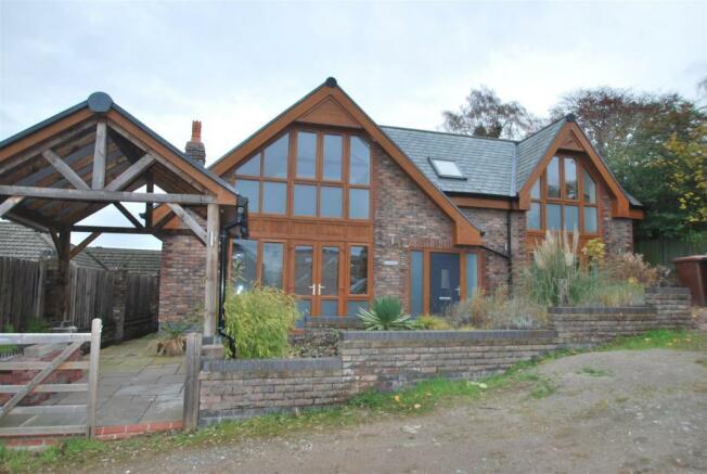 Oak Lodge front.JPG