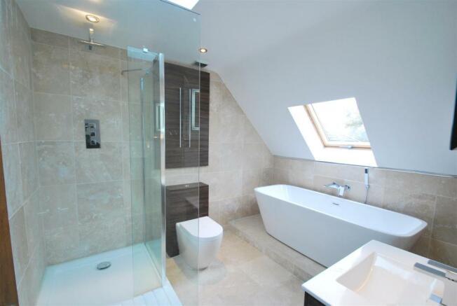 oaklodge bath.JPG