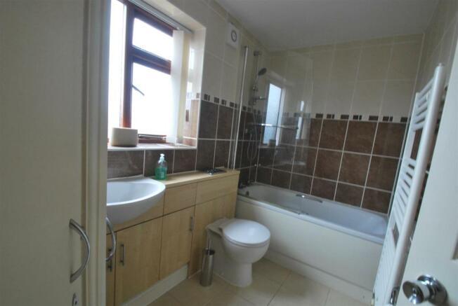 4 homestead bath.JPG