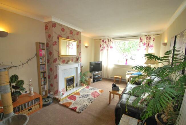 39 Burgess Avenue - Living Room.JPG