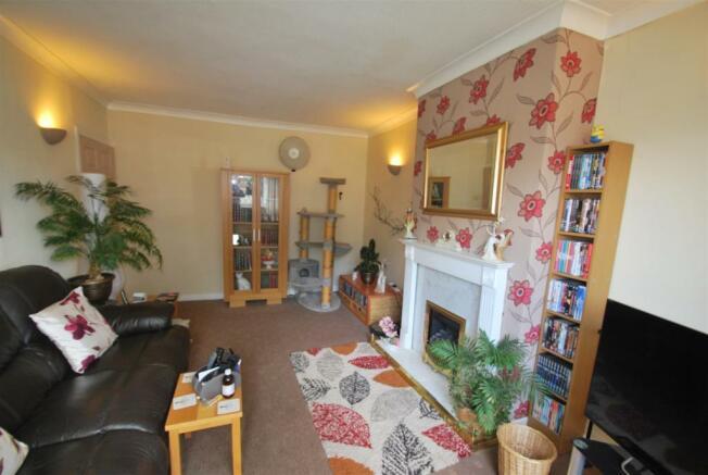 39 Burgess Avenue - Living Room 2.JPG