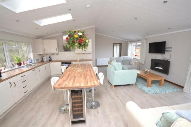 Kitchen-Lounge.JPG