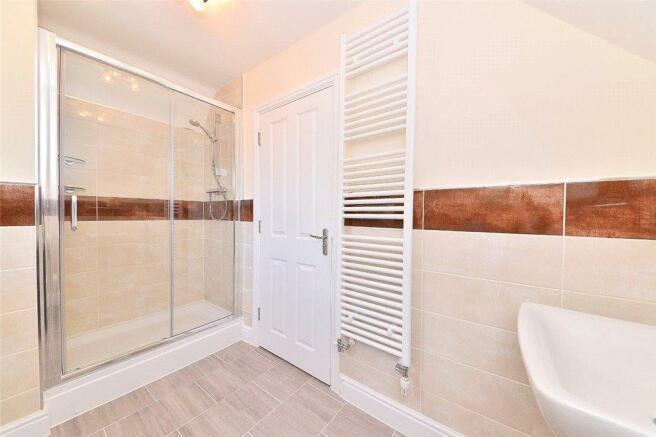 15 Shower Room