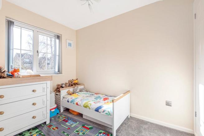 2 Bedroom Terraced House For Sale In Lyndhurst Drive