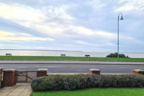 Photo of Marine Parade East, Lee-On-The-Solent
