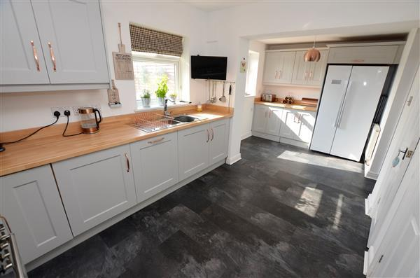 EXTENDED KITCHEN -