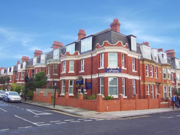 333a74922c2e 11 bedroom house for sale in Manor House Road