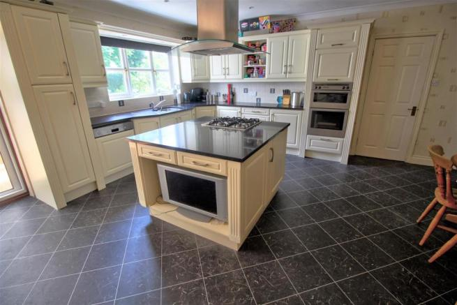 Modern Kitchen with Breakfast Area