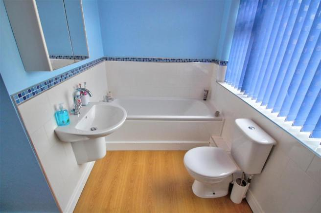 Family Bathroom (with WC)