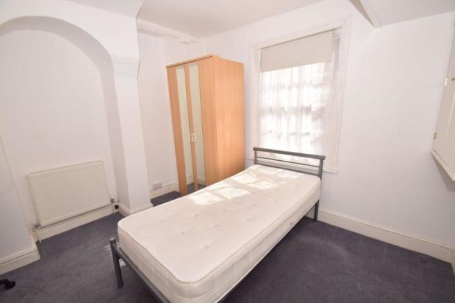 Studio flat to rent in Easton Street, High Wycombe, HP11 ...