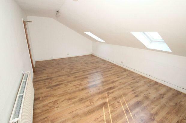 Flat 3 Lounge Aspect