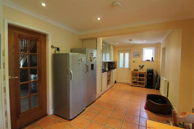Further Kitchen Area.JPG