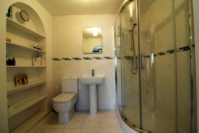 Annexe Shower Room.JPG
